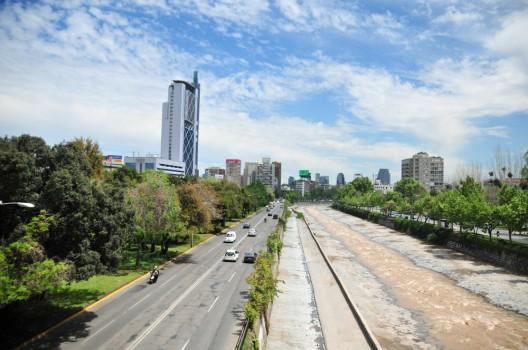 Guía Urbana de Santiago Parque Balmaceda y Plaza de la Aviación. © Plataforma Urbana