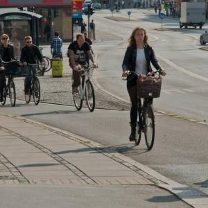Ciclistas en Copenhague por City Clock Magazine via Flickr
