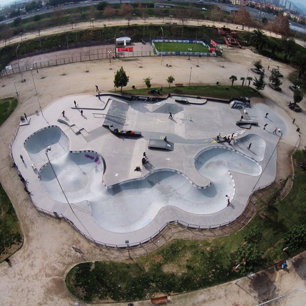 Skatepark Parque de Los Reyes. Cortesía Fotos Aéreas. ©fotosaereas en Instagram.