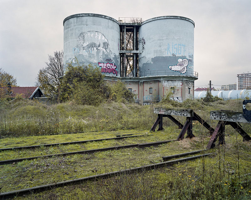 By the Silent Line Pierre Folk 24