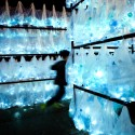 Laberinto de residuos plasticos luzinterruptus 3