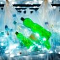Laberinto de residuos plasticos luzinterruptus 12