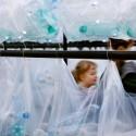 Laberinto de residuos plasticos luzinterruptus 17