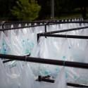 Laberinto de residuos plasticos luzinterruptus 18