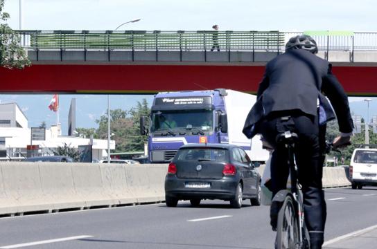 """""""Cultura Urbana"""" en Ginebra por Cloud Collective. Fuente Cloud Collective.org"""