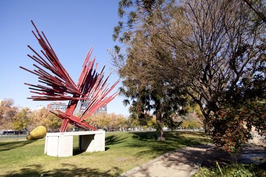 """Erupción"" de Sergio Castillo © Andrea Manuscevich para Plataforma Urbana."
