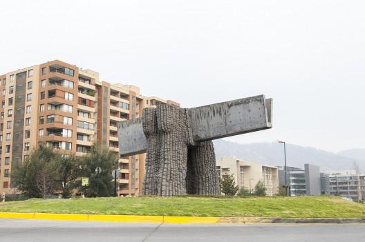 Homenaje al Hormigón de Federico Assler en Ciudad Empresarial © Andrea Manuschevich para Plataforma Urbana