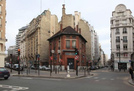 """Fuente: """"Reinventado París""""."""