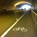 ciclistas pintan ciclovia roma 7