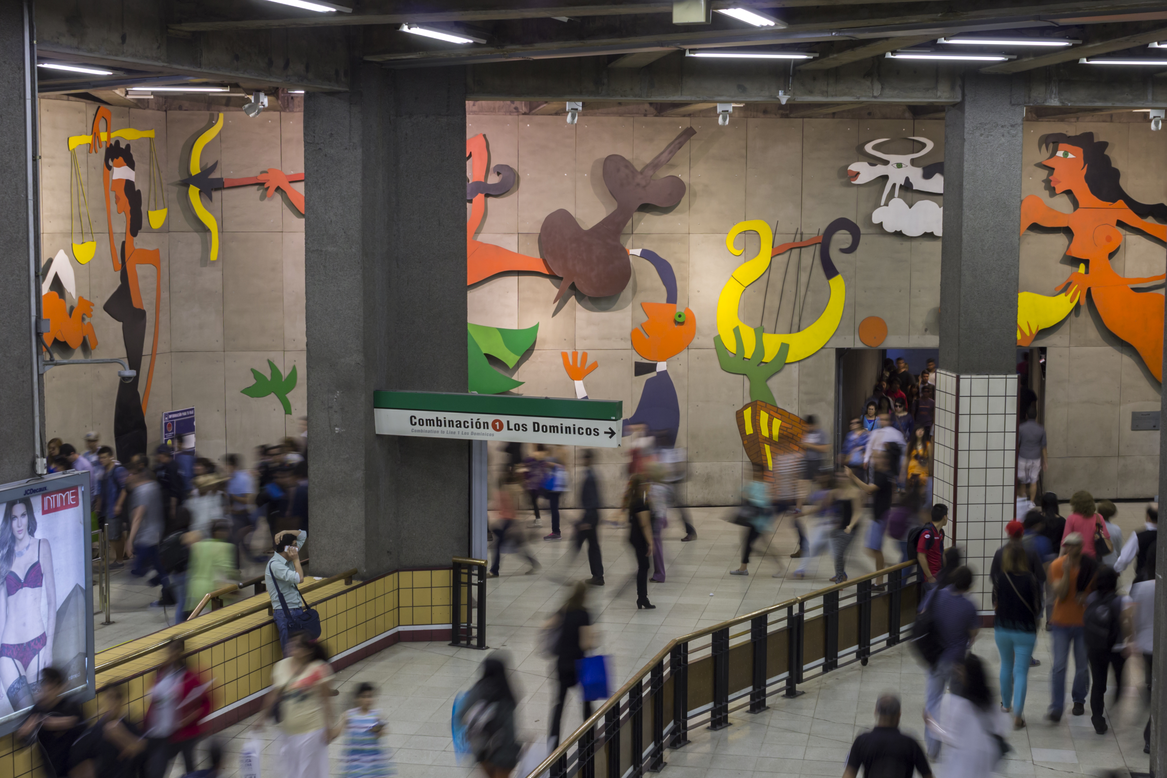 Declaracion de amor samy benmayor mural estacion baquedano for Mural metro u de chile