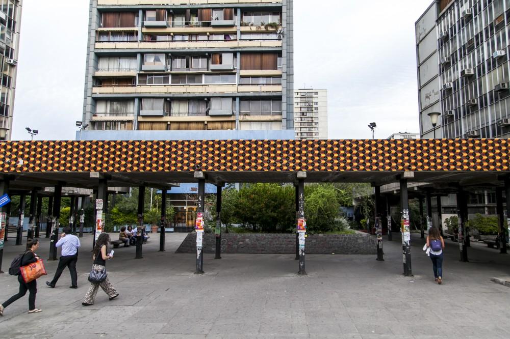 """Métrico"" de Martín Covarrubias. © Andrea Manuschevich para Plataforma Urbana."