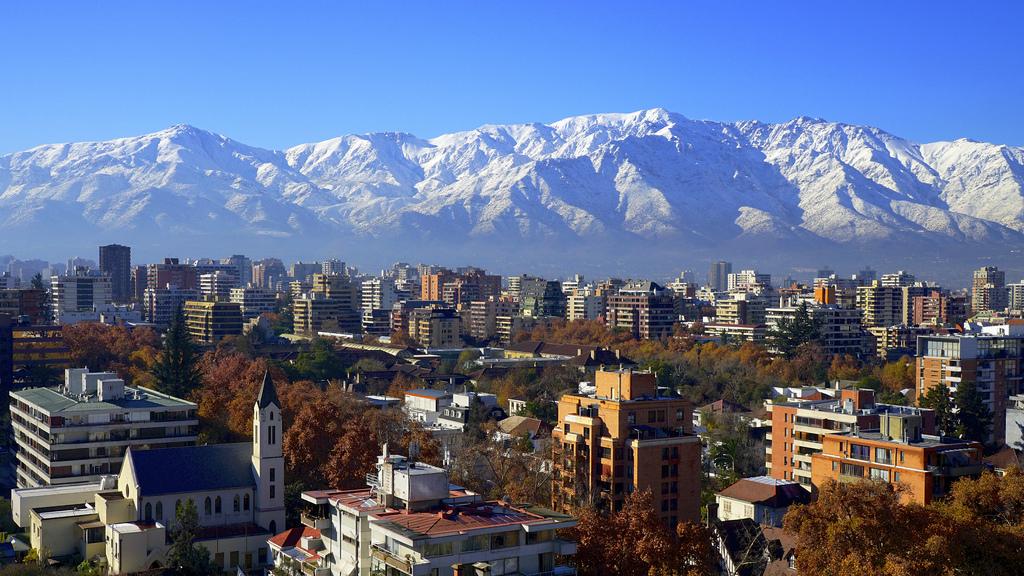 Opini n la ciudad en crisis plataforma urbana for Papeles murales en santiago de chile