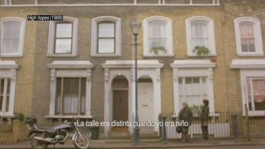 """""""High Hopes"""" (1988). Image Cortesia de Cortometraje 'Ficción Inmobiliaria'"""