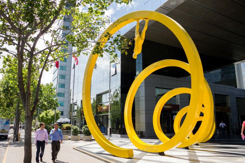 """""""Espiral"""" de Osvaldo Peña. © Andrea Manuschevich para Plataforma Urbana"""