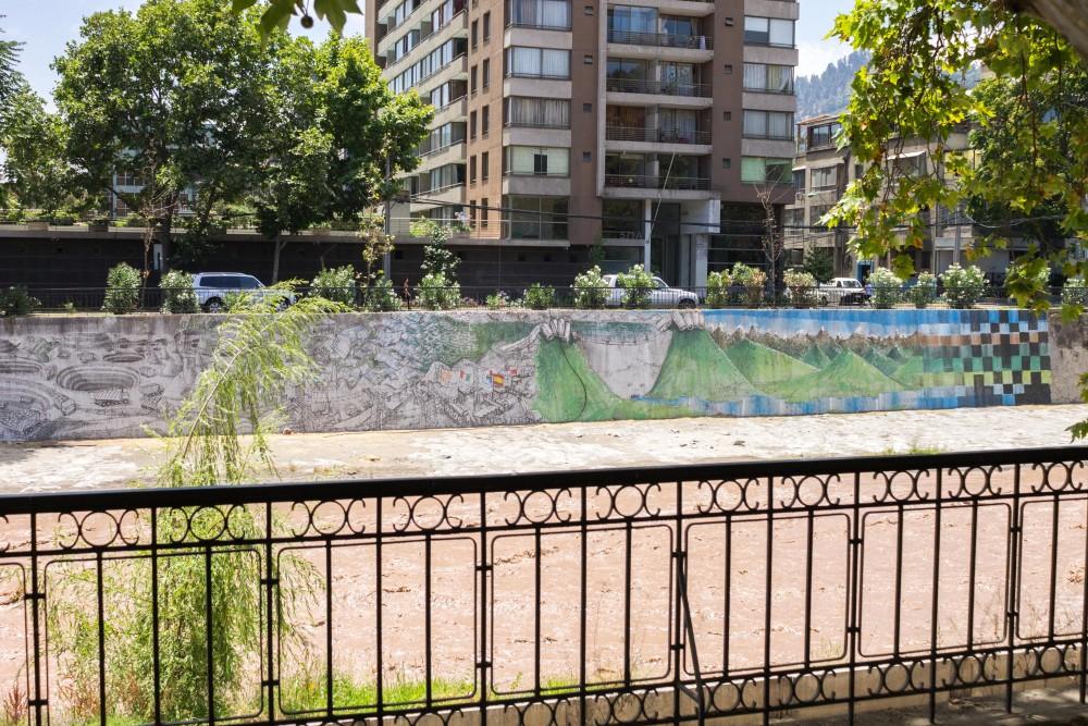 mural de blu en rio mapocho andrea manuschevich para plataforma urbana 4