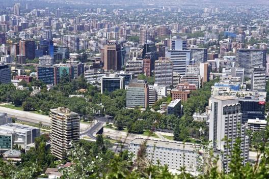 Ranking 2015 santiago destaca en seguridad y es elegida for Papeles murales en santiago de chile
