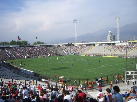 Estadio Monumental © peatc, vía Flickr.
