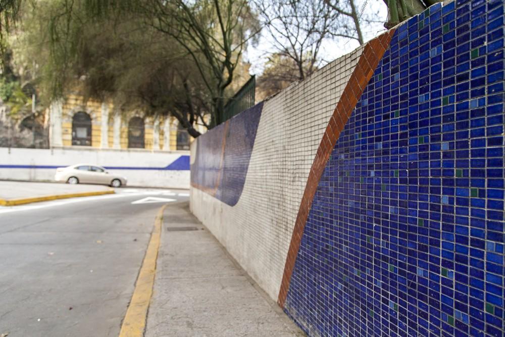 mural paso bajo nivel santa lucia 2 por andrea manuschevich para plataforma urbana
