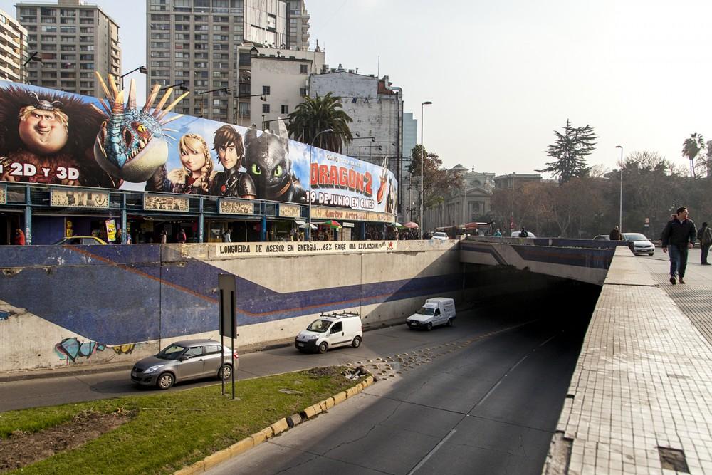 mural paso bajo nivel santa lucia 4 por andrea manuschevich para plataforma urbana
