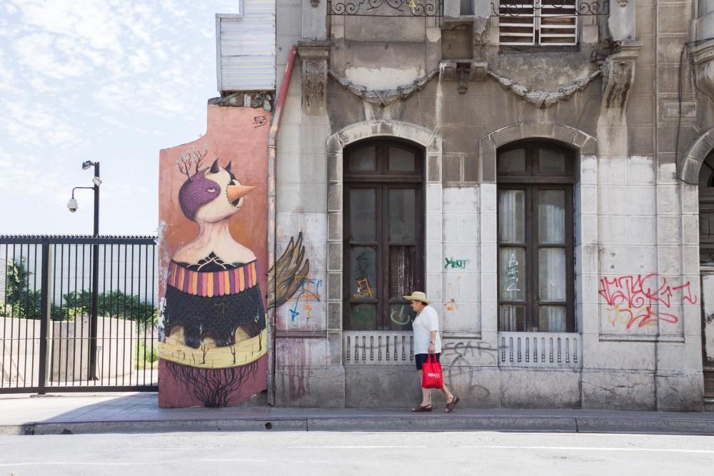 Mural Rodrigo Estoy Barrio Yungay 4 por Andrea Manuschevich para Plataforma Urbana