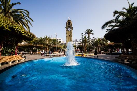 Torre Reloj en la Plaza Colón de Antofagasta. © Armando Torrealba para Plataforma Urbana