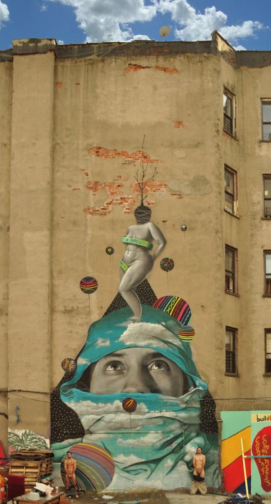 Mural de Dasic y Okuda en Brooklyn que fue borrado por tener la imagen de una mujer desnuda.