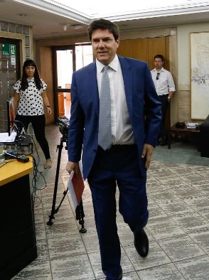 ministro de Transportes Andres Gomez-Lobo