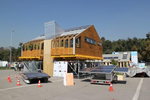 3er Lugar, Casa Cluster 01, Universidad de Concepción. Foto por Construye, vía Plataforma Arquitectura.