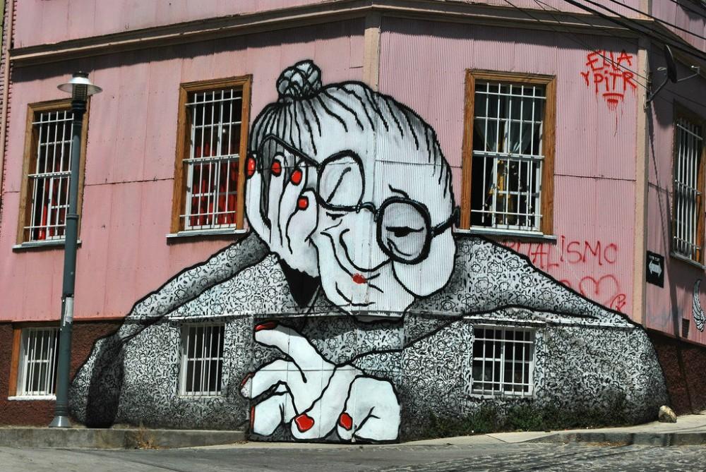 Mural de Ella & Pitr en Cerro Alegre. © Sghisa, vía Flickr.