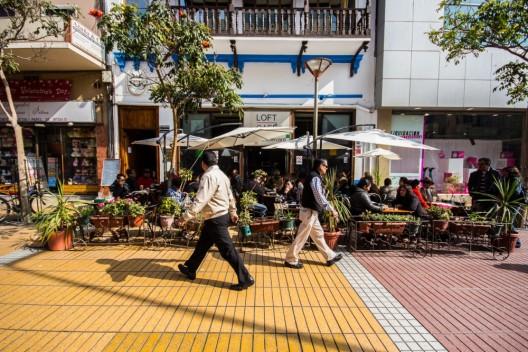 Paseo peatonal Arturo Prat en el centro de Antofagasta. ©Armando Torrealba para Plataforma Urbana.