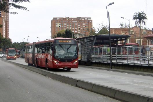 Transmilenio en Bogotá © mariordo59, vía Flickr.