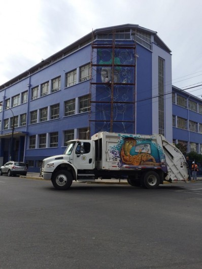 un kolor distinto juegale limpio a valpo camion 5