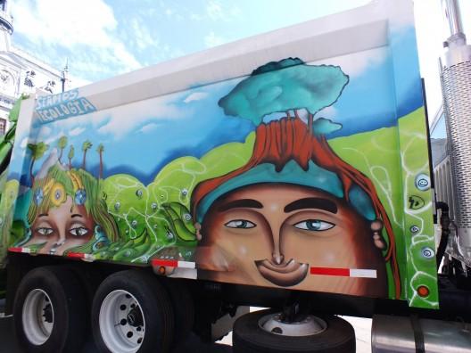 un kolor distinto juegale limpio a valpo camion 6