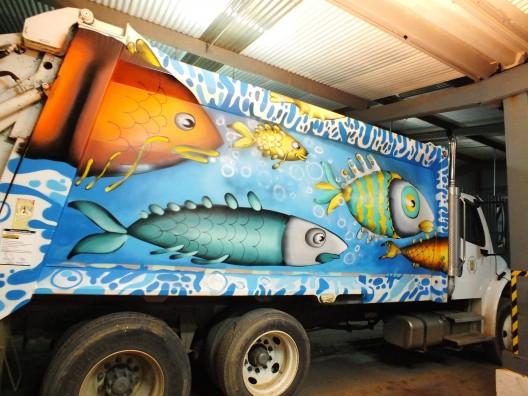 un kolor distinto juegale limpio a valpo camion 7