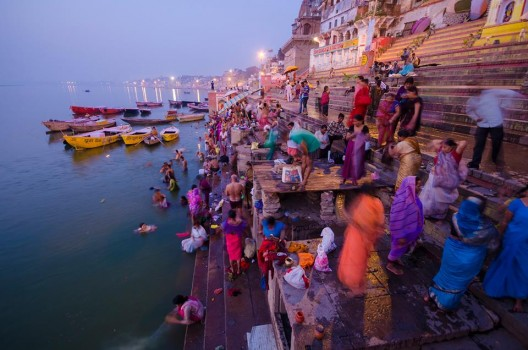 CBRE Urban Photographer Competition. Busy Ghats por Ayan Mukherjee