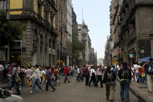 Calle Madero en Ciudad de México. © Yörch, vía Flickr.