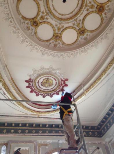 Restauración al interior del Palacio Rioja. Cortesía de @arqcavm, vía Twitter.