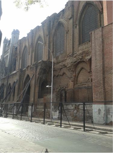 Basílica del Salvador, junio 2015, desde calle Almirante Barroso. Patricio Moya Muñoz
