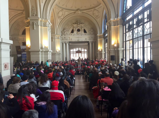 Orquesta Nacional Juvenil en Estacion Mapocho. Foto por @renenaranjo via Twitter.