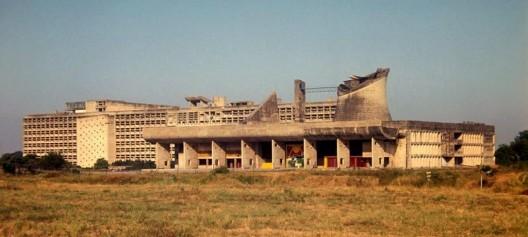 La Asamblea Legislativa y la Secretaría en Chandigarh. Imagen © Nicholas Iyadurai