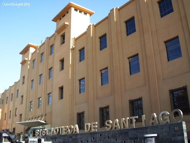 Biblioteca de Santiago. © Caglieri, vía Flickr.