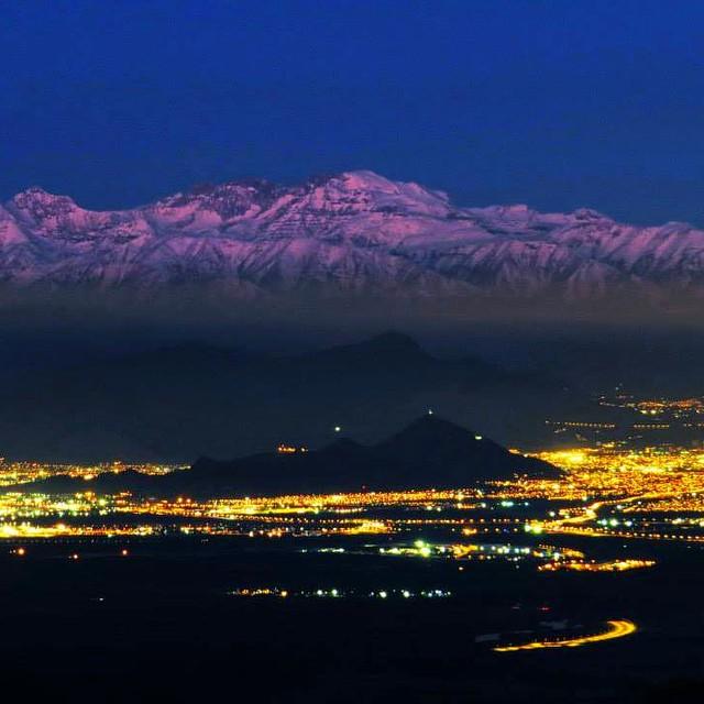 Cerro Renca y la Cordillera de Los Andes_Foto por Roberto Antezana Cortesia Santiago Cerros Isla