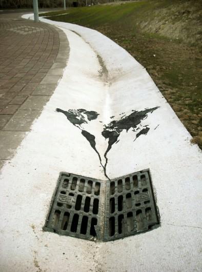 el mundo se va por el desague por pejac