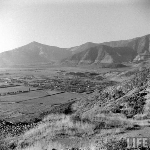 Huechuraba desde el cerro San Cristóbal en 1941. Autor: Hart Preston. Archivo: LIFE. Cortesía @enterrenochile