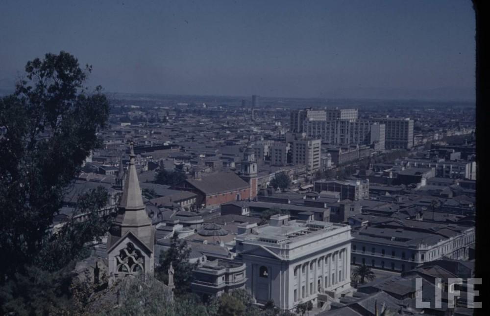 Vista de Santiago desde el cerro Santa Lucía en 1941. Autor Hart Preston. Archivo: LIFE. Cortesía @enterrenochile