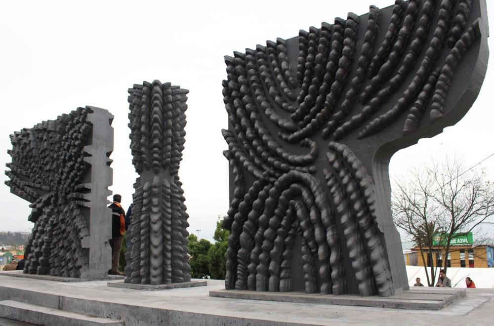 """""""Hito Geografico Centro de Chile"""" del escultor Federico Assler. © Consejo de la Cultura"""