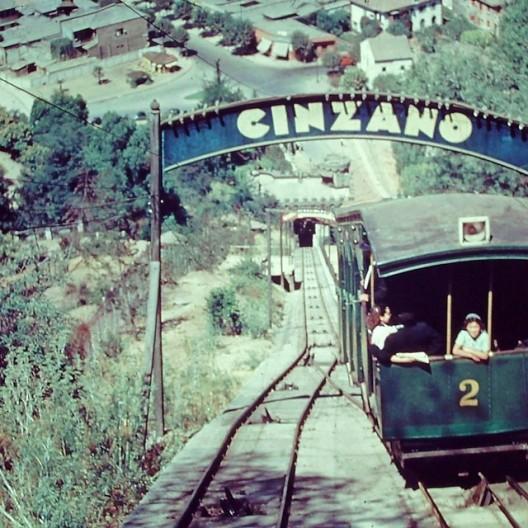 Funicular Cerro San Cristobal 1957_ Fuente Fotos Historicas de Chile Cortesia Santiago Cerros Isla