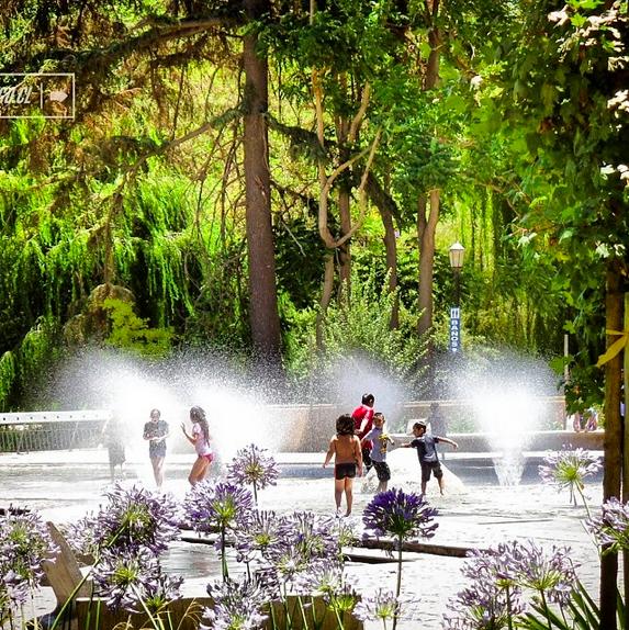 Juegos de agua en el Parque Quinta Normal Cortesia WalkingStgo