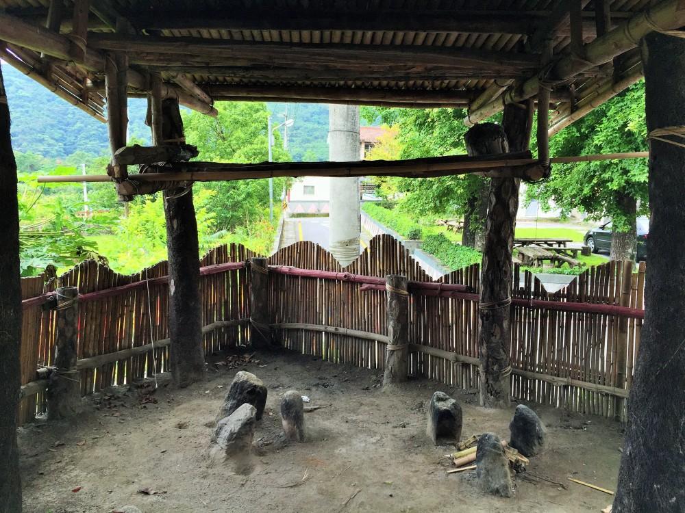 La cocina comunal, los locales la utilizan como punto de reunión en festividades