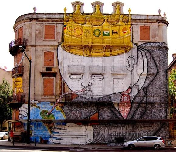 Mural realizado por Blu y Os Gemeos para el Festival Crono en Lisboa, Portugal.